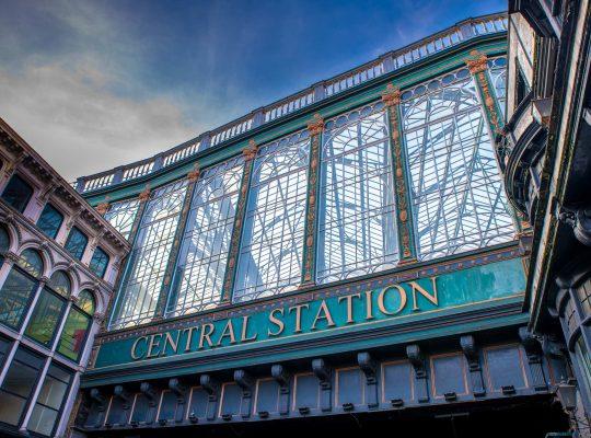 Glasgow Central, plus qu'une gare, un parapluie !