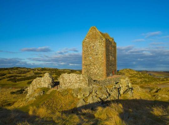 La tour de Smailholm, un œil sur l'Angleterre