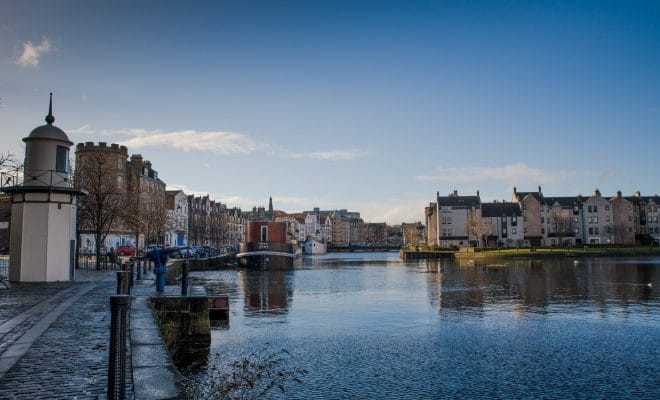 A walk on the quays of Leith