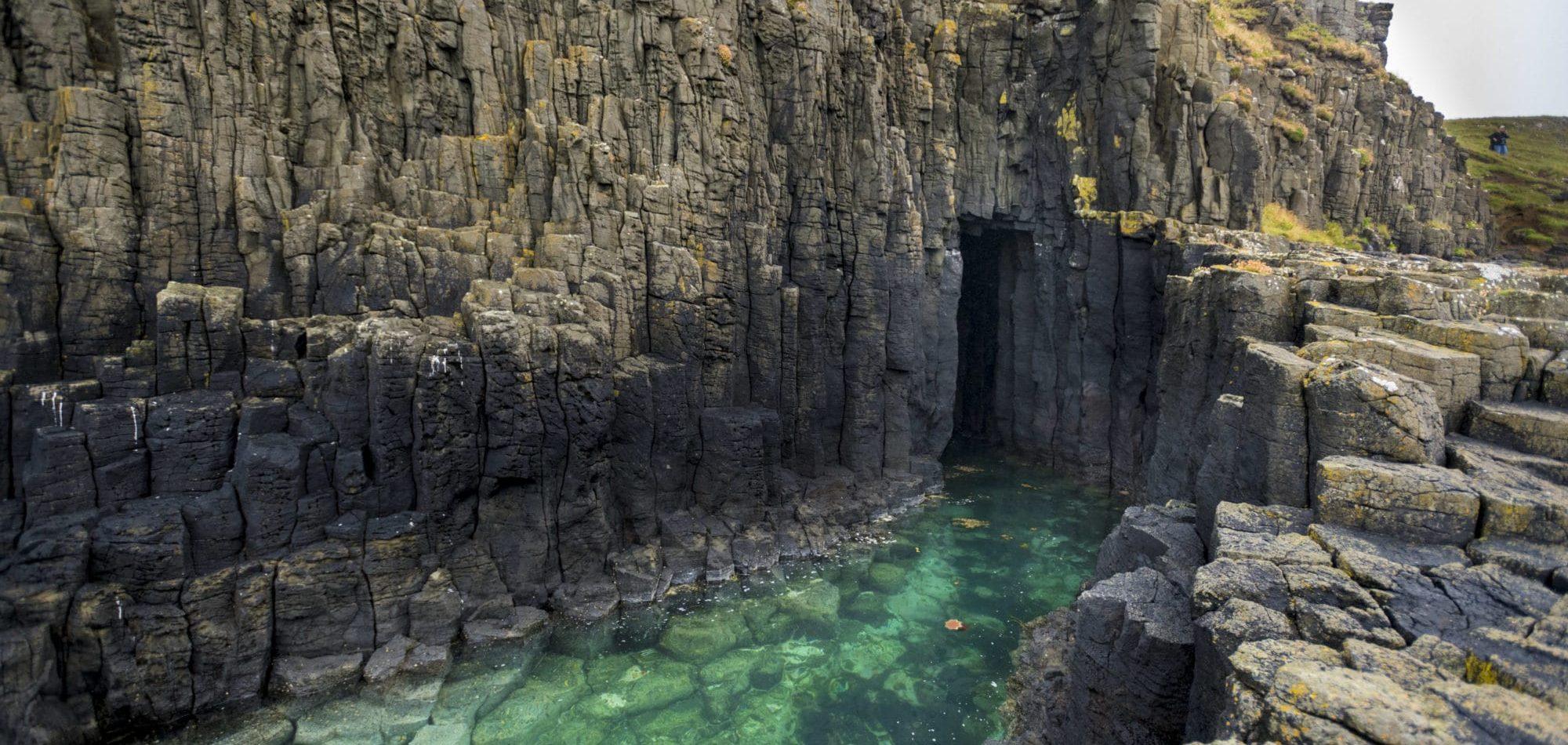 La grotte d'or de l'île de Skye